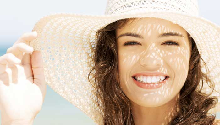 Bôi kem chống nắng đúng cách bảo vệ da trước bức xạ mặt trời (2)